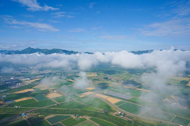 モーターパラグライダーなら雲海も見れる